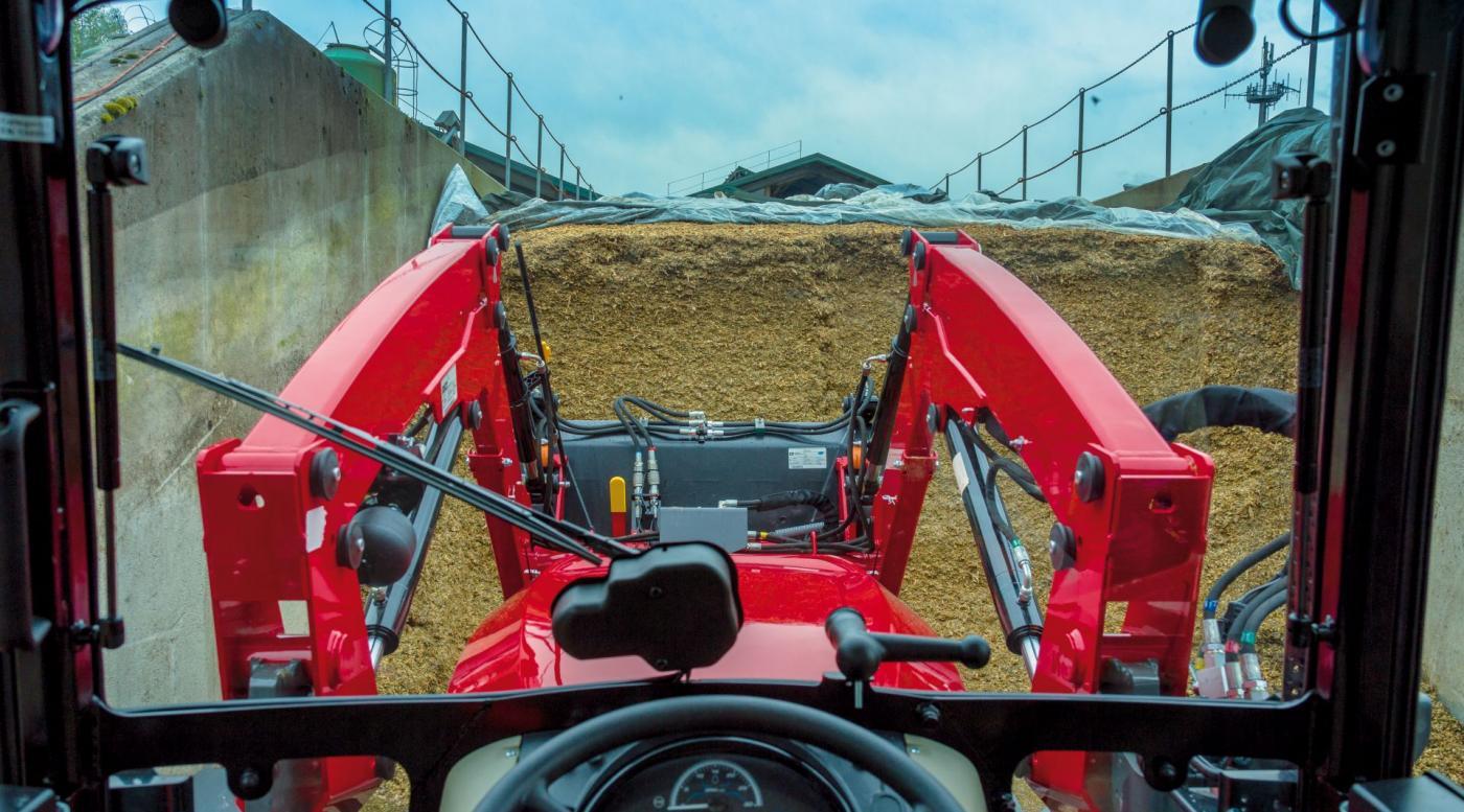 MF 3700 traktorius 11