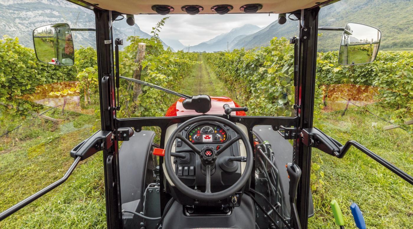 MF 3700 traktorius 13